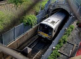 Long Island RR will Close East River Tunnels For New Signals