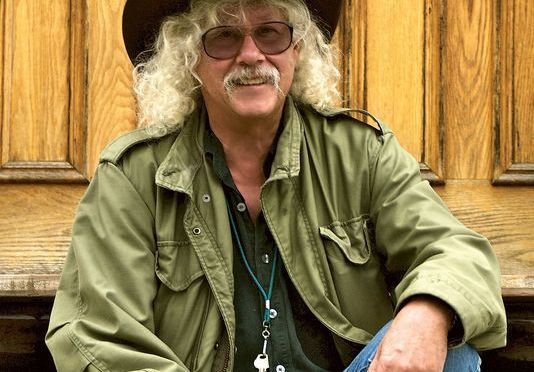 Arlo Guthrie celebrates 50 years at 'Alice's Restaurant'