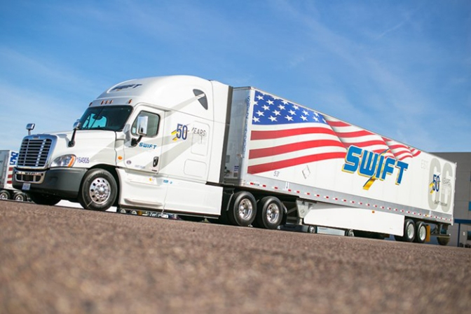 Largest US truckload carrier sends warning on rates, ELDs