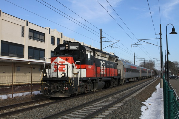 CDOT Commuter Locomotives To Be Overhauled