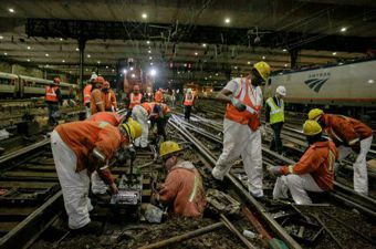 After NYC mess, senators call for Amtrak funding