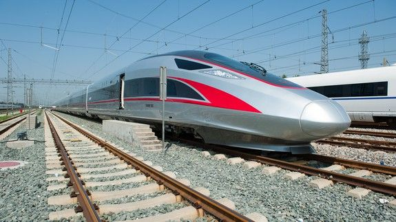 China's latest bullet trains will reach a blazing 400 km/h, faster than the Hyperloop One