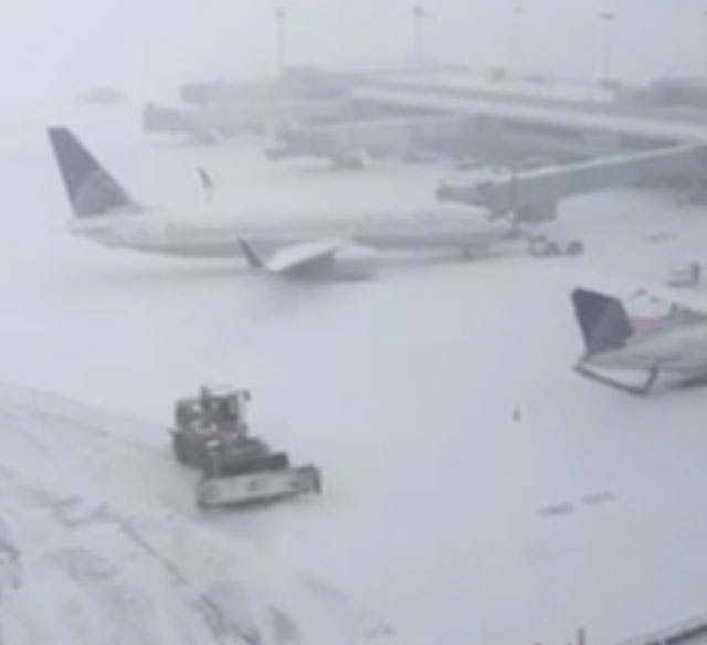 Snow leads to some cancellations, delays at Bradley Airport