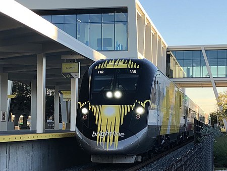 Brightline trains begin service to and from Miami
